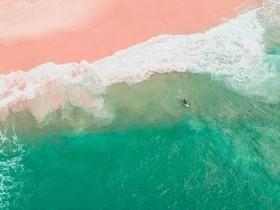微软放出沙滩海浪主题的免费Windows 10壁纸包